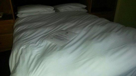 Best Western Milton Keynes Hotel: Lumpy bed