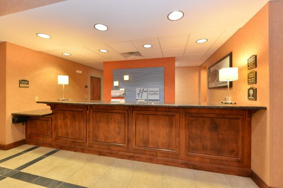 Holiday Inn Express Rawlins : Front Desk