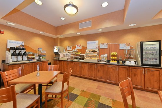Holiday Inn Express Rawlins : Breakfast Buffet