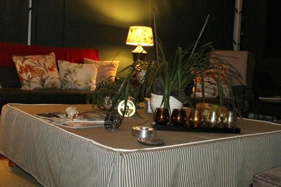 Shandon Lodge: outdoor entertainment area