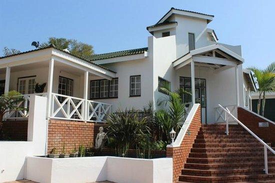 Shandon Lodge: front entrance