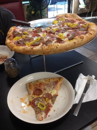 Roma Pizzeria: So yummy in my tummy!