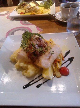 Lyst Cafe, Bar & Food: Salmone