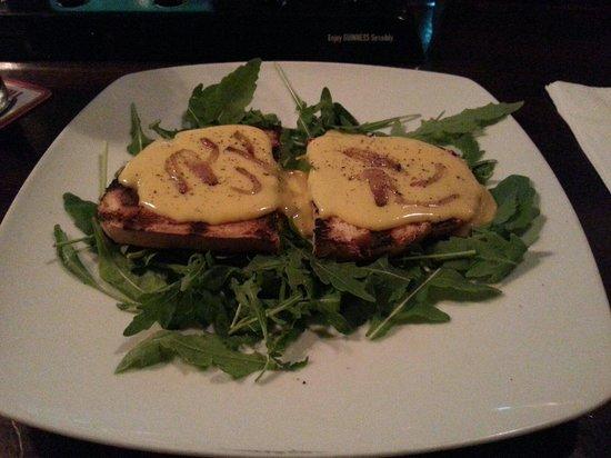 Morrigan Pub: Zabaione di Carbonara su crostone.