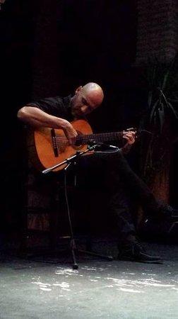 Museo del Baile Flamenco: guitariste...