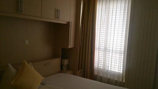 Hotel du Faucon: Amplia, limpia, cómoda