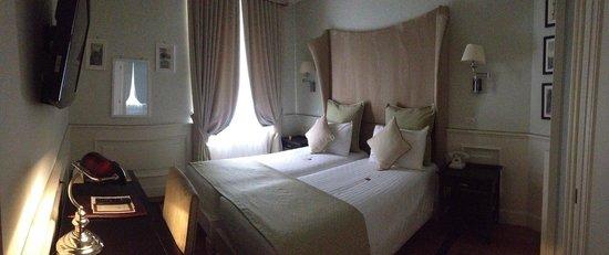 Hotel Bologna: Номер на втором этаже