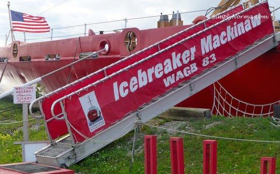 Icebreaker Mackinaw Maritime Museum Inc.: Icebreaker Mackinaw