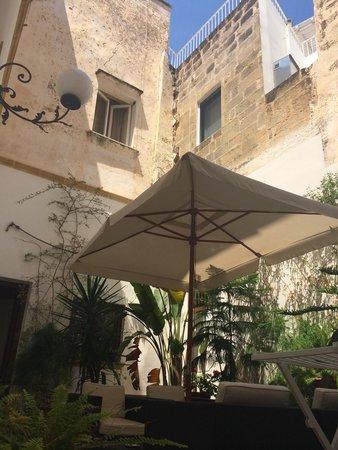 Corti Carmela: Mysig innergård. Fantastisk gästvänligt
