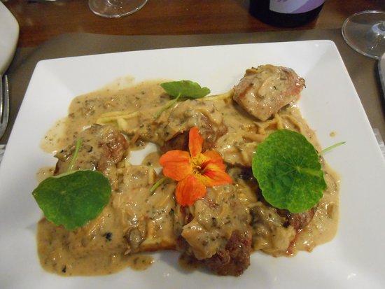 La Pause Gourmande : Duck breast with mushroom and truffle cream sauce, potato galette