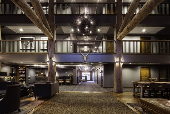 Teton Mountain Lodge & Spa- A Noble House Resort: Teton Mounain Lodge & Spa's welcoming lobby.