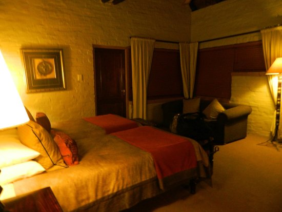 Lakeside Lodge : room