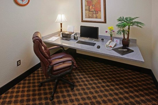 Best Western Palace Inn & Suites: Business Center