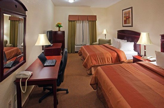 Best Western Palace Inn & Suites: Double Double Queen