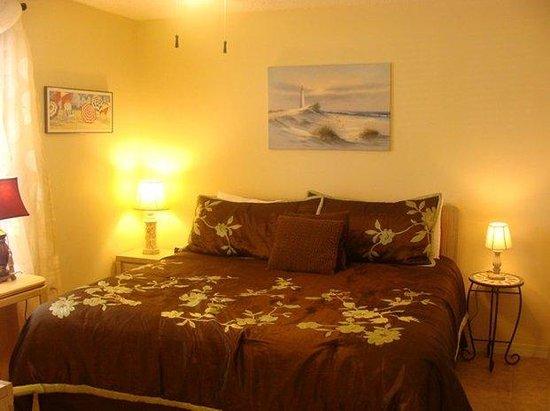 Grand Caribbean West: Bedroom