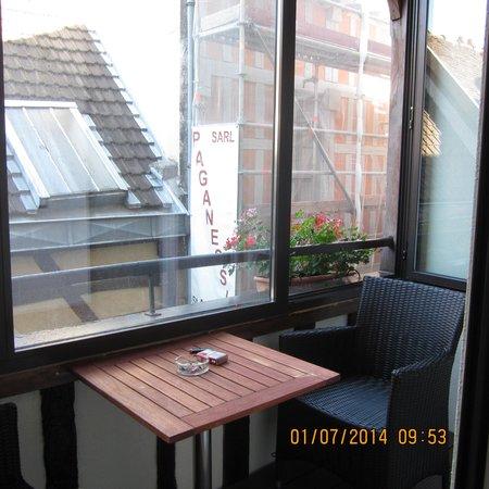 Hôtel Le Relais Saint Jean : Het terrasje overdekt.