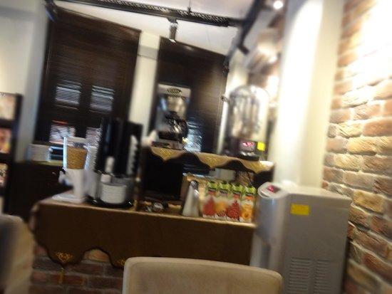 BC Pangaldi Residence: El desayuno Bufett, lo que se ve, es lo que hay para todo el hotel, pedacitos de pan, pedacitos
