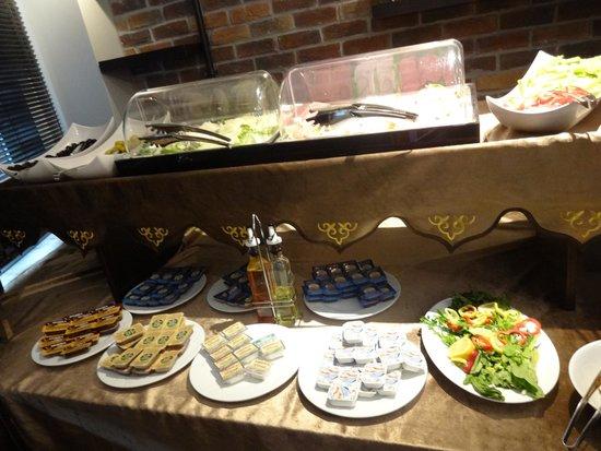 BC Pangaldi Residence: Desayuno Bufett, no mas que lo que muestran las fotos