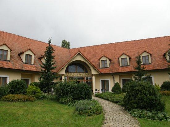 Hotel Hranicni Zamecek: The actual hotel building