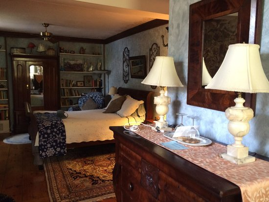 New Hope's 1870 Wedgwood Bed and Breakfast Inn: U9
