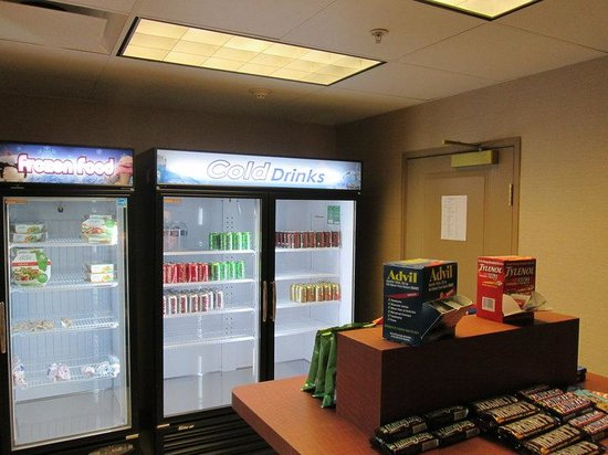 Holiday Inn Express & Suites Chicago West-Roselle: Gift Shop