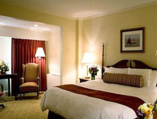 Ramada Seekonk Providence Area: King Bed Room