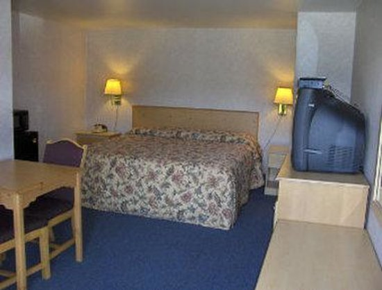 Knights Inn Pine Grove : One Bed Guest Room