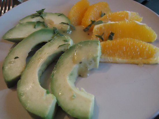 Buckingham House: Avacado & Orange salad