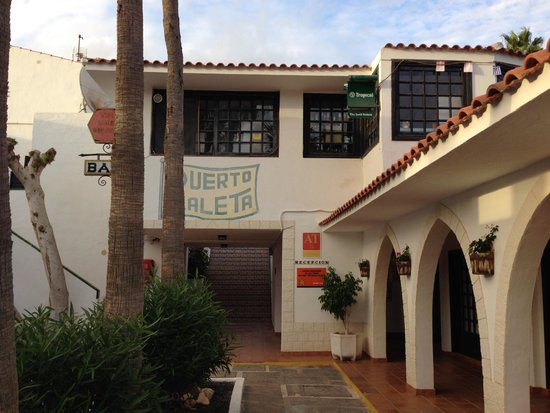 Apartmentos Puerto Caleta: Entrata nella Reception