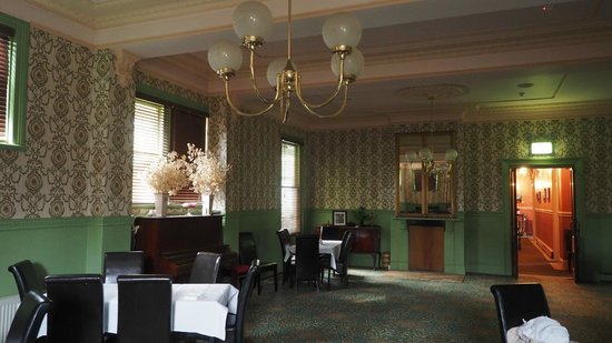 Mount Victoria Manor: Main dining area