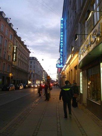 Hotel Nebo: Rua do hotel