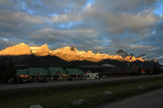 Days Inn Canmore : Sunrise on the mountains across the street from Econo Lodge