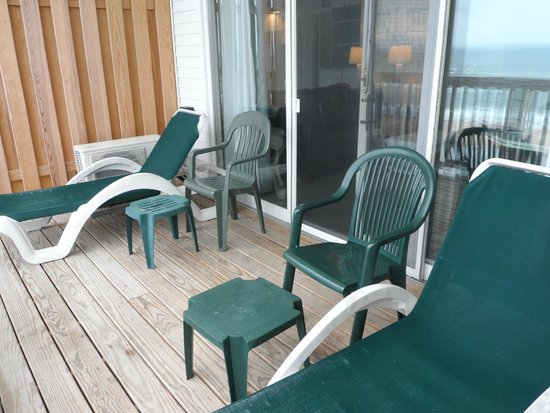 Wavecrest Oceanfront Resort: Balcony