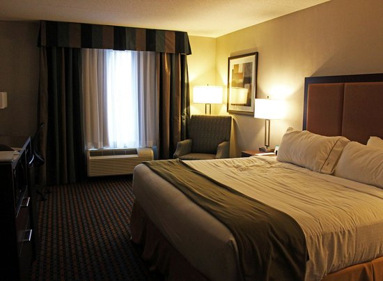 Holiday Inn Express Pembroke: Our Room