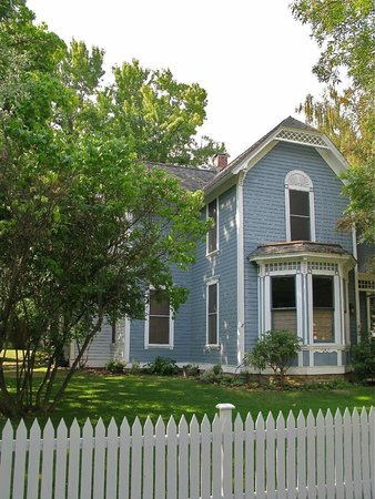 Pelton Guest House: the house is a historical landmark