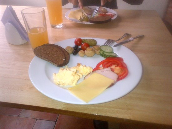 Breakfast at the Primo Hotel