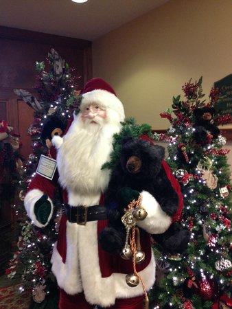 The Inn at Christmas Place: Main Lobby 01