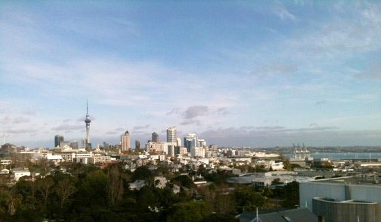 Quality Hotel Parnell: view from room to Auckland city