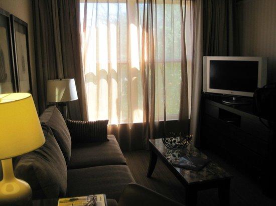 Gainey Suites Hotel: Living room of suite