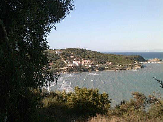 Romanza Hotel: view down to the village