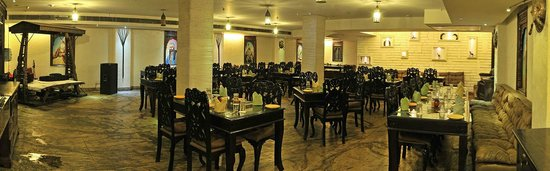 Taurus Hotel & Conventions: Punjabi Nawab's