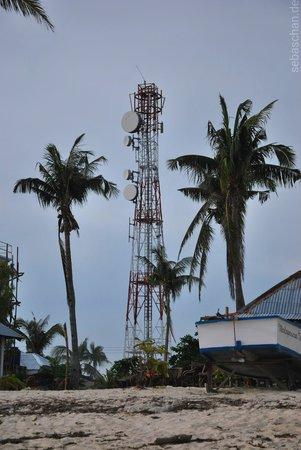 Ocean Vida Beach & Dive Resort: The GLOBE mobile phone array