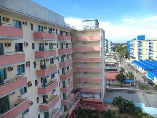Hotel Gran Caribe Sunbeach: Вид с балкона на отель