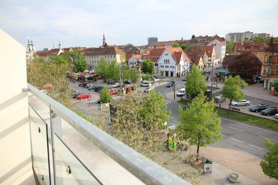 Mercure Graz City: View from room facing the Lendplatz