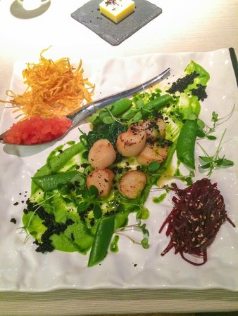 Enzo Cafe & Restaurant: Scallops flambe