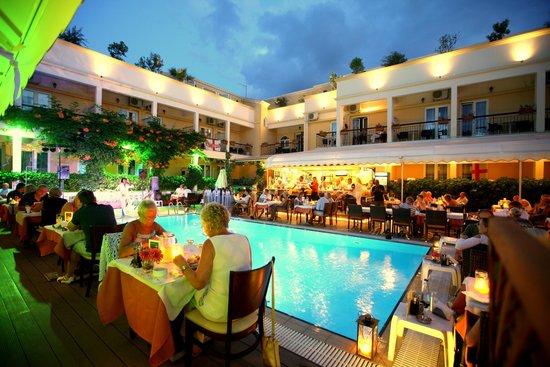 Telesilla poolside Restaurant