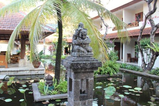 Bali Rani Hotel: loby view