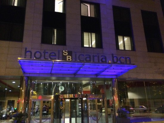 Hotel SB Icaria Barcelona: Front of the hotel
