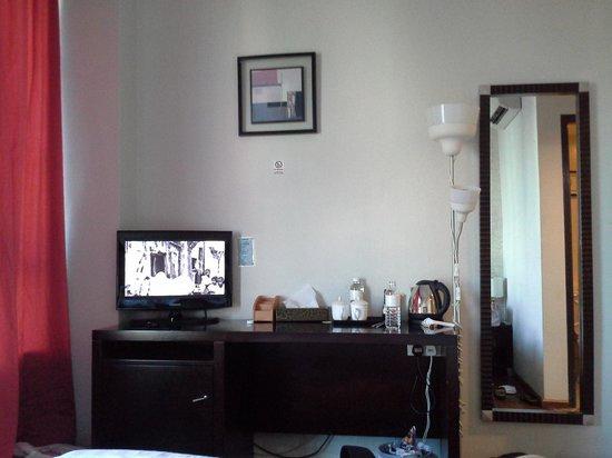 Hotel 34: room