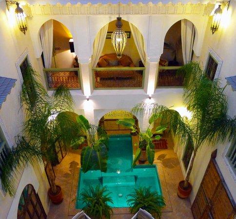 Palacio de las Especias : PATIO PRINCIPAL RIAD